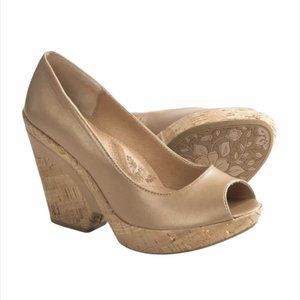 Sofft Olivia Peep Cork Wedge Almond Gold 8